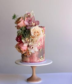 Indescribable Your Wedding Cakes Ideas. Exhilarating Your Wedding Cakes Ideas. Black Wedding Cakes, Beautiful Wedding Cakes, Gorgeous Cakes, Pretty Cakes, Cute Cakes, Bolo Floral, Floral Cake, Fresh Flower Cake, Flower Cakes