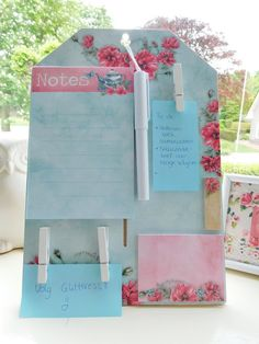 Making notes is always helpful and it's also very nice when you can make a note block yourself! This DIY I bought and assembled. Do you want to know where and how? Check out my blog!   Glitteress DIY blog