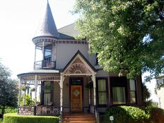This was the last Victorian house built on Carroll Avenue, and was done so in 1894 for real estate developer Charles C. Haskins.