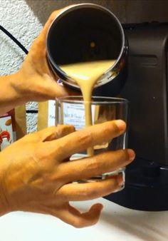Deluxe Energy Drink - Macuccino mit Nespresso Milchschäumer Aeroccino hergestellt Superfood, Nespresso, Glass Of Milk, Blog, Milk, Blogging
