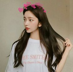 Find images and videos about girl, korean and ulzzang on We Heart It - the app to get lost in what you love. Mode Ulzzang, Ulzzang Korean Girl, Cute Korean Girl, Asian Girl, Korean Beauty Girls, Asian Beauty, Sacs Louis Vuiton, Girl Korea, Uzzlang Girl