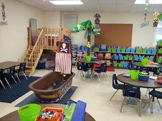 Classroom Layout, Classroom Organisation, Classroom Setting, Classroom Design, Kindergarten Classroom, Future Classroom, School Classroom, Classroom Themes, School Fun