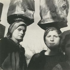 Voula Papaioannou, Women transporting mud for the construction of a road. Sellades prefecture of Arta, 1946 © Benaki Museum Photographic Archive Costa, Benaki Museum, Greek Gifts, Old Greek, Greece Photography, Greek Culture, Museum Shop, Working People, Famous Photographers
