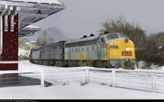 RailPictures.Net Photo: LN 812 Louisville & Nashville EMD F7(A) at Appalachia, Virginia by Ron Flanary