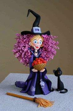 Witchy witchy  porcelana fria pasta francesa masa flexible fimo fondant figurine modelado topper polymer clay halloween                                                                                                                                                      Más
