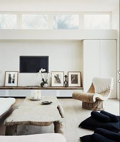 Rustic yet elegant. Love the neutral palette, wood and touches of black. Photo by Douglas Friedman http://www.douglasfriedman.net/