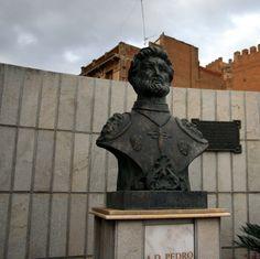 """#Granada - #Guadix - Pedro de Mendoza y Luján  37º 17' 54"""" - 3º 8' 9"""" Nacido en Guadix en 1487 y que murió en algún lugar del Océano Atlántico en 1537, fue militar de familia noble, almirante y conquistador español, primer adelantado y gobernador del Río de la Plata, territorio que comprendía del Río de la Plata hasta el Estrecho de Magallanes. Fundó la ciudad Buenos Aires el 2 de febrero de 1536."""
