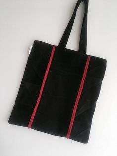 Remade denim totebag / Black denim / Red denim details / Upcycled denim / elegant style / Sustainable reused fashion / Remade by Yours Again
