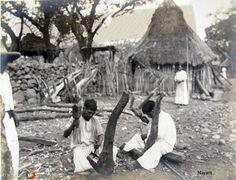 Haciendo arados de madera Hacia 1900