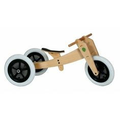 The Wishbone Bike evolves from a tricycle to a bike to a bigger bike- usable by a child from one to five years old. Try and get that out of a typical kids toy.It's from New Zealand's Wishbone Design Studio. Trike Kits, Balance Bike, Bike Run, Road Bike, Baby Kind, Wooden Toys, Kids Toys, Children's Toys, Best Gifts