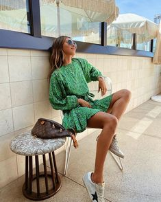 Fashion Dresses Trendy and pretty puff leaved print mini dress. Summer Dress Outfits, Casual Outfits, Fashion Outfits, Fashion Ideas, Fashion Clothes, Fashion Fashion, Dress Fashion, Fashion Women, Fashion Tips