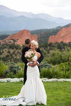 Wow! Absolutely gorgeous bride and groom red rocks and mountains of Garden of the Gods Club Wedding Photography by Katie Corinne Photography I had so much fun second shooting this stunning Garden of the Gods Club wedding! With recent renovations, this venue is a gorgeous venue for your wedding!
