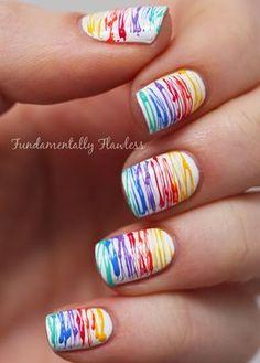 #NailArt coloré en arc-en-ciel. #manucure #vernis