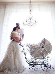 Couple Pregnancy Photoshoot, Maternity Dresses For Photoshoot, Cute Maternity Outfits, Maternity Pictures, Maternity Fashion, Studio Maternity Photos, Maternity Style, Kobe Bryant Pictures, Kobe Bryant Family