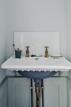 "[i]He found the basin on [link url=""http://www.ebay.co.uk/""]Ebay[/link] and painted it with [link url=""https://www.firedearth.com/""]Fired Earth's[/link] 'Tempest'.[/i]  Like this? Then you'll love  [link url=""http://www.houseandgarden.co.uk/interiors/bathroom-vanities-and-sinks""]Bathroom Sinks & Vanities[/link]"