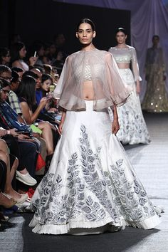#Cape Love #SS16 by http://www.ManishMalhotra.in/ @ #LFW…