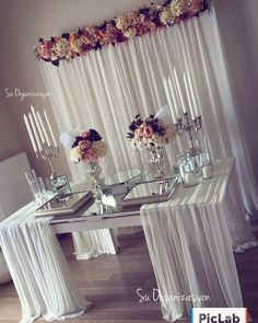 how to swag a tablecloth easily diy wedding sweetheart table Trendy Wedding, Diy Wedding, Buffet Wedding, Wedding Tables, Wedding Decorations, Table Decorations, Sweetheart Table, Deco Table, Wedding Guest Book
