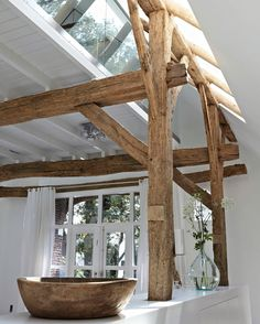 Loft love   Exposed beams ➕ glass ➕ all white