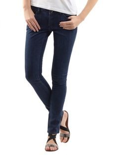 Lee Marion Girls Regular Straight stretch luxe dark  MRP : Rs.2,055  Our price : RS. 1,100  46% off  You save : Rs.955  (Price are included of all taxes.)