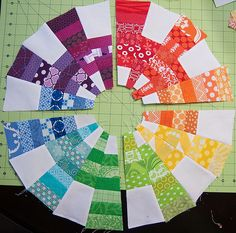 EZ Dresden Tutorial and Giveaway - Color Cog Mini Quilt