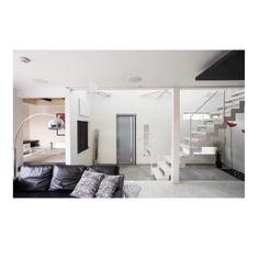 mamikumaさんの、Lounge,IKEA,玄関,シンプル,モノトーン,プラダ,稲妻階段,土間玄関についての部屋写真