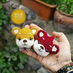 Amigurumi Türkiye-Tarif Listesi Creative Crafts, Baby Shoes, Christmas Ornaments, Holiday Decor, Kids, Charts, Key Hangers, Amigurumi Doll, Dots