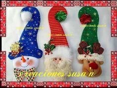 ♥♥ DIY CUELGAPUERTAS GORROS LARGOS♥♥ - YouTube Home Decor Christmas Gifts, Christmas Tree Toy, Felt Christmas Ornaments, Christmas Tree Decorations, Christmas Stockings, Christmas Crafts, Christmas Wreaths, Greeting Card Holder, Christmas Wall Hangings