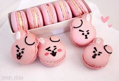 I present to you, my Cooky macarons! Bts Cake, Bts Birthdays, Kawaii Dessert, Snack Recipes, Snacks, Think Food, Cute Desserts, Cafe Food, Cute Cakes