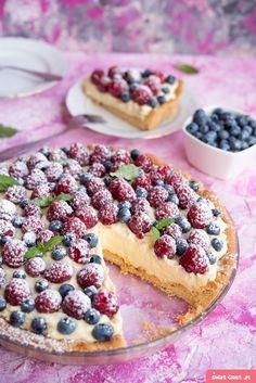 Tarta z malinami i borówkami - Swiatciast.pl Sweet Desserts, No Bake Desserts, Sweet Recipes, Dessert Recipes, Bakers Gonna Bake, Healthy Deserts, Sweets Cake, Food Cakes, No Bake Cake