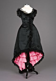 Alluringly lovely black and pink Cristobal Balenciaga evening dress, 1955. #vintage #1950s #fashion