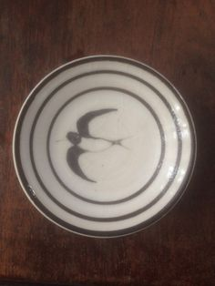 ツバメ 小皿 - イガイガ