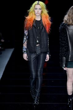 See the complete Nicole Miller Fall 2013 Ready-to-Wear collection.