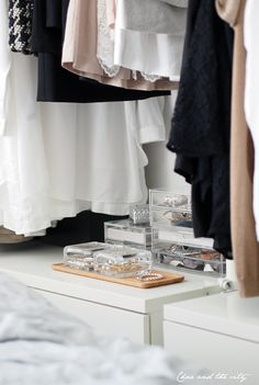 pretty things in clear storage boxes - Iittala´s Vitriini, Char & the city -blog