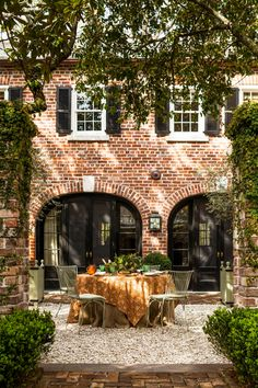 Carriage House, House Goals, Maine House, My Dream Home, Exterior Design, Future House, Beautiful Homes, House Beautiful, New Homes