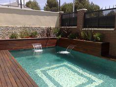 1000 images about piscina con jardineras y cascadas for Piscinas con jacuzzi y cascada