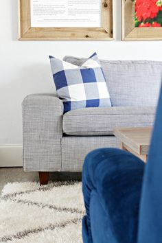 Ever wondered how to add legs to ikea couches? or any couches or any furniture? Today I& show you a super easy way to add legs to ikea couches! Ikea Couch, Diy Couch, Ikea Legs, Decorating Your Home, Diy Home Decor, Home Fix, Living Room Sofa, Home Decor Styles, Furniture Makeover