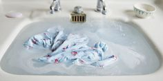 Hand-Washing Clothing Tips - How to Best Hand-Wash Your Clothes