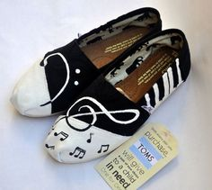 Custom Handpainted Music TOMS from TheIndependentSoul on Etsy. Saved to Toms. Fashion Now, All About Fashion, Fashion Shoes, Girl Fashion, Cute Shoes, Me Too Shoes, Espadrilles, Prom Accessories, My Sewing Room