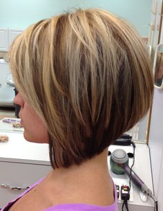 Stacked bob. Graduated bob. Hilite/lolite.  Love this cut and color ...especially the color for fall and winter