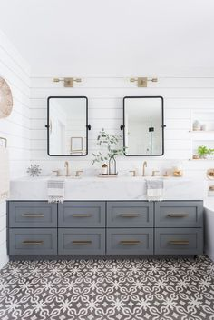 Trend Alert: Textured Walls Are Popping Up Everywhere! /// A Roundup by Design Fixation #home #decor #textured #walls Bathroom Renos, Bathroom Renovations, Home Remodeling, Bathroom Ideas, Remodeling Contractors, Budget Bathroom, Stone Bathroom, Bathroom Cabinets, Bath Ideas