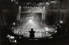 Le palace. Alain Pacadis, Le Palace, New Wave Music, French New Wave, Screen Shot, Waves, Culture, Night, Concert