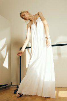 Rosetta Getty Spring 2016 Ready-to-Wear Collection Photos - Vogue Runway Fashion, Spring Fashion, Fashion Show, Women's Fashion, Fashion Addict, Vogue Paris, Rosetta Getty, Mode Boho, Boho Bride