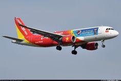 Airbus A320-214, VietJet Air, VN-A686, cn 5822, 180 passengers, first flight 9.10.2013, VietJet Air delivered 28.10.2013. 31.5.2016 flight Can Tho - Da Nang. Foto: Bangkok, Thailand, 10.1.2016.