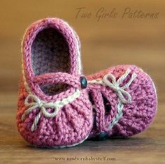 Crochet Baby Booties FREE Crochet pattern - these are so cute! - Do It Darling