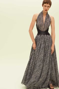 8c505b33076d Alaïa Spring 2019 Ready-to-Wear Fashion Show Collection  See the complete  Alaïa