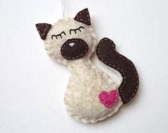 Felt Siamese cat ornament handmande Christmas by grabacoffee