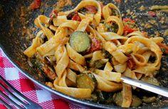 Le tagliatelle con zucchine e gorgonzola vi conquisteranno con la loro cremosità e il loro sapore deciso e delicato al tempo stesso.