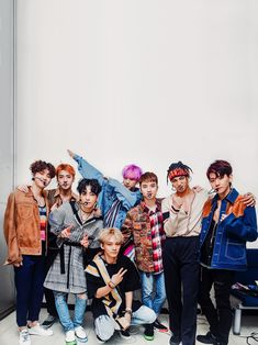 Is Chanyeol fucking dabbing Exo Ot9, Chanyeol Baekhyun, Kpop Exo, Exo Group Photo, Group Photos, K Pop, Exo 2017, Exo Album, Exo Lockscreen
