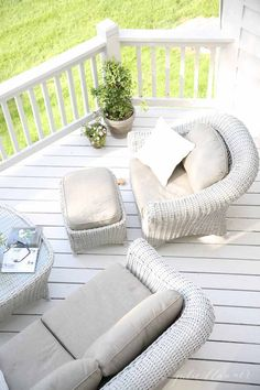 Beautiful deck with Martha Stewart Living's Lake Adela outdoor seating set from The Home Depot. It's part of the patio of Julie Blanner's dreams. || @julieblanner/
