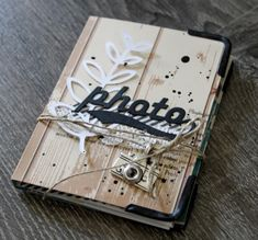 "Une idée de mini plutôt masculin avec la collection de Lorelaî Design ""photographie"" : http://minimlescrap.over-blog.com/article-mini-album-photo-124084466.html"